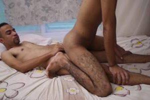 Jeune couple maghrébin chaud comme la braise