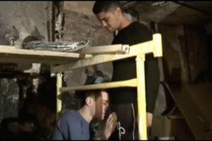 Mohamed se fait pomper sur le chantier