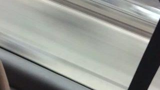 Éjac dans le bus