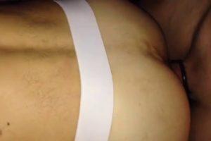 Sextape bareback: Anus rempli au sperme